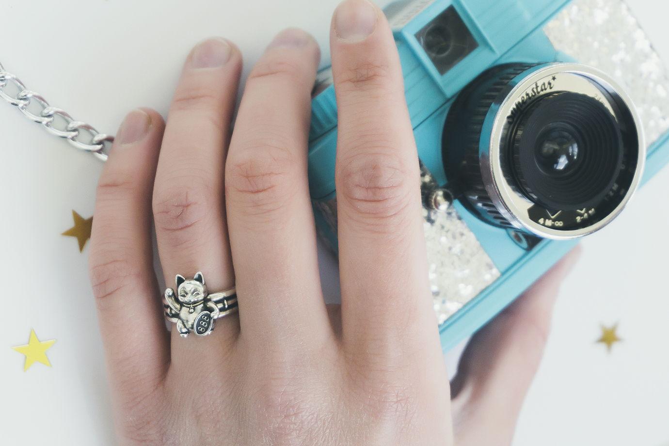Кольцо с котом Maneki Neko (серебро) в коробочке