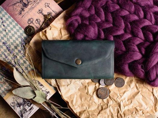 Женский кошелек из натуральной кожи -CAMELLIA- цвет Изумруд