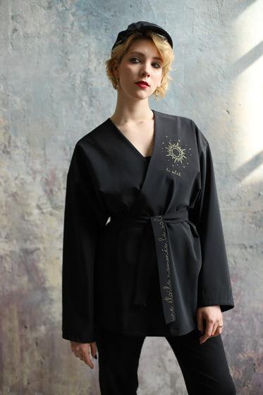 Чёрный оверсайз жакет-кимоно с поясом