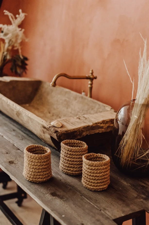 Вязаный стакан ручной работы из джута с плотными стенками