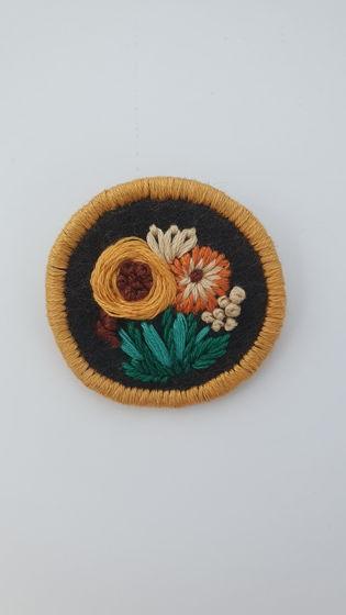 """Брошь ручной работы с цветочным мотивом """"С подсолнухом Букет """""""