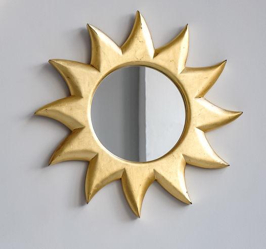 Зеркало Солнце настенное в раме из массива ольхи