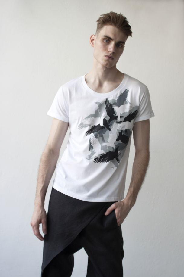 мужская футболка светящаяся в темноте