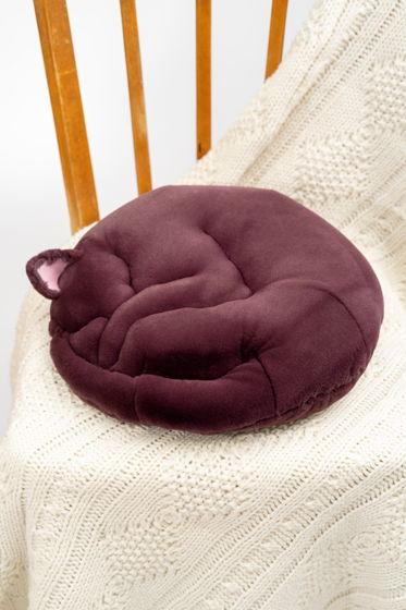 круглая подушка спящий кот ручной работы из эко-меха