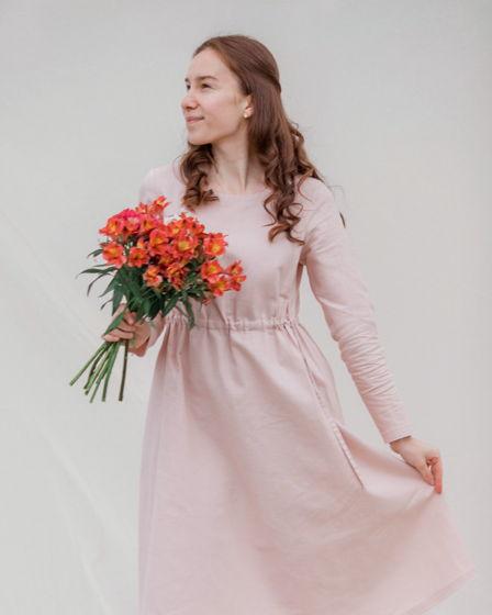 Платье длины миди {нежно-розовое} из полульна с кулиской