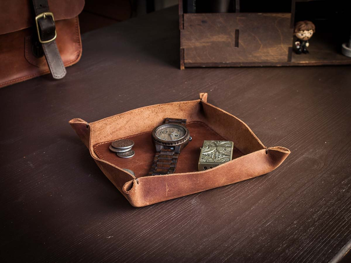 Настольный кожаный лоток органайзер -BASTION- цвет Коньяк