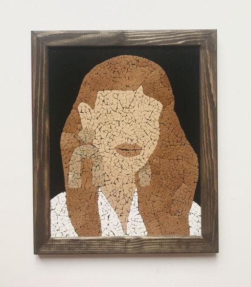 """Картина 19*24 см """"Загадочная"""" ручной работы из яичной скорлупы натуральных оттенков"""