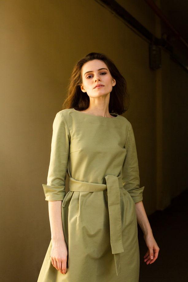 Платье из мягкого хлопка цвета фисташки