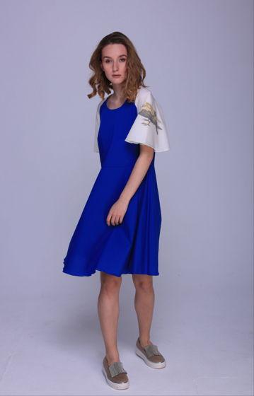 Синее платье с вороной