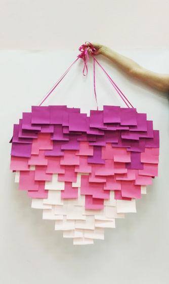 Пиньята сердце стикер