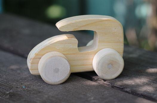 Машинка каталка деревянная