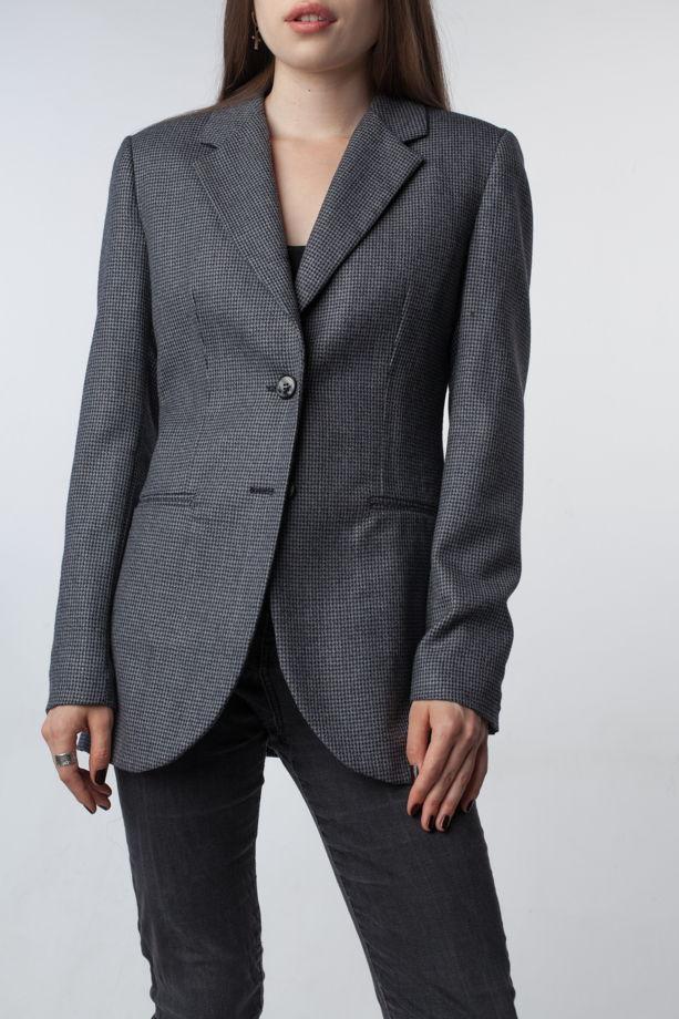 Женский серый пиджак приталенного силуэта из 100% шерсти и плечиками ручной работы Fari Levich
