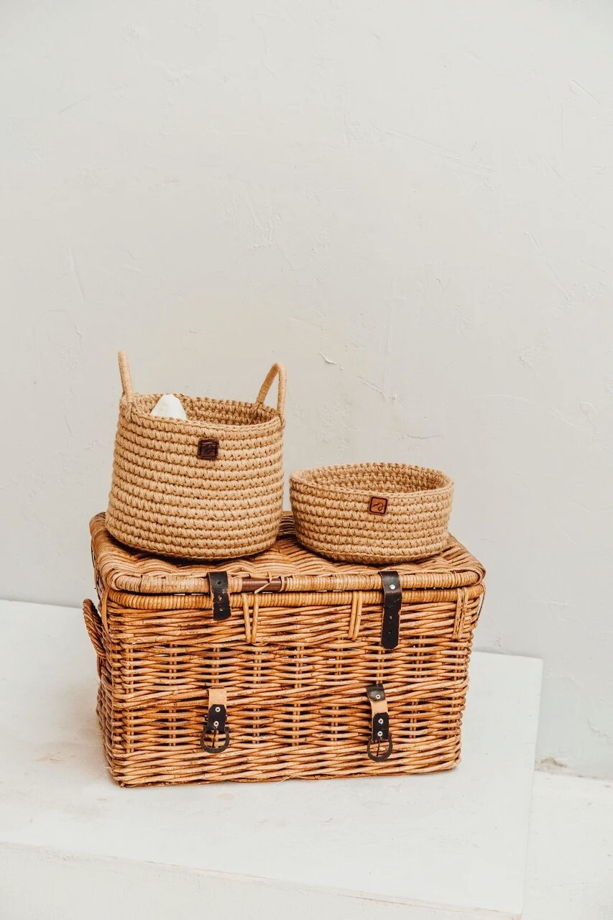 Интерьерная корзина ручной работы с плотными стенками из джута