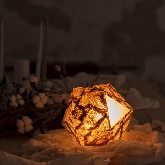 VIAPLANT Hedron Play Calam Triticum - декоративная настольная лампа из соломы и вейники