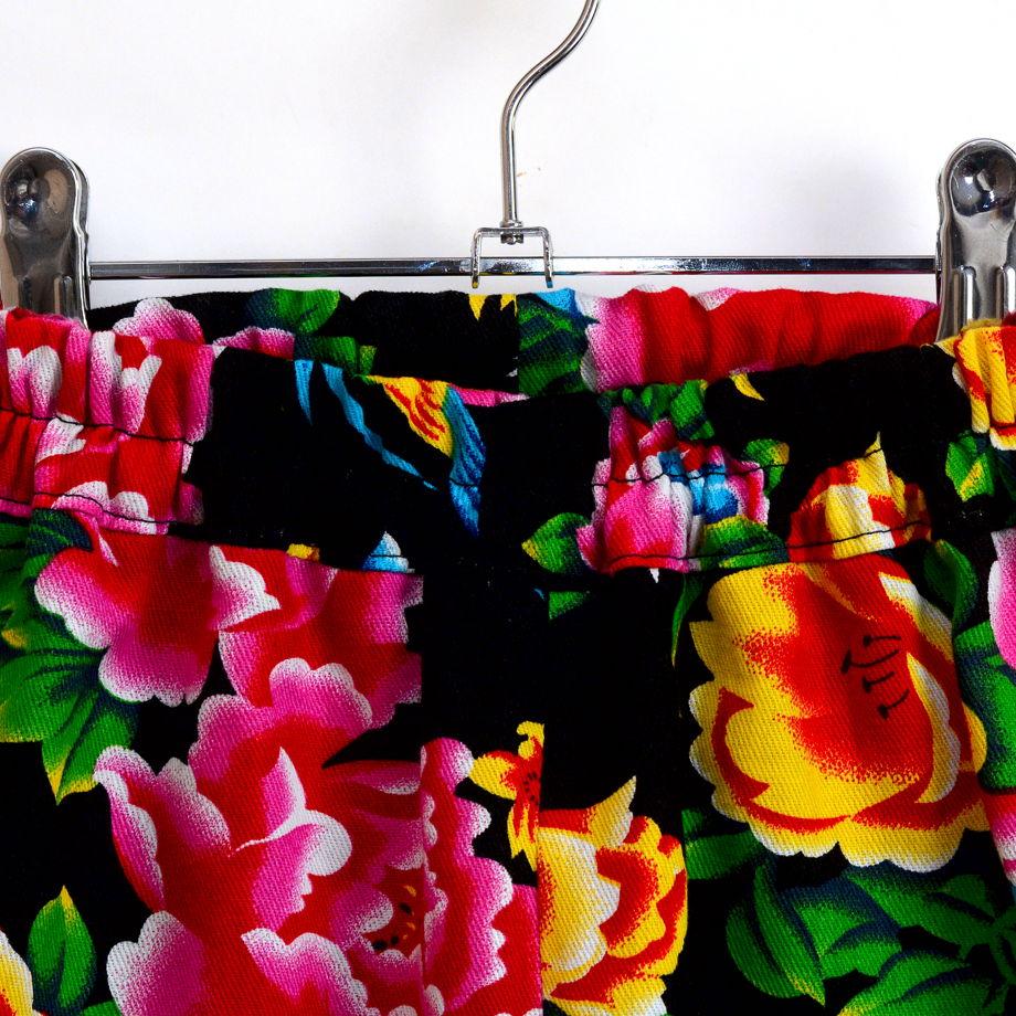 Брюки шаровары из хлопка с цветами для девочки. Ручная работа.