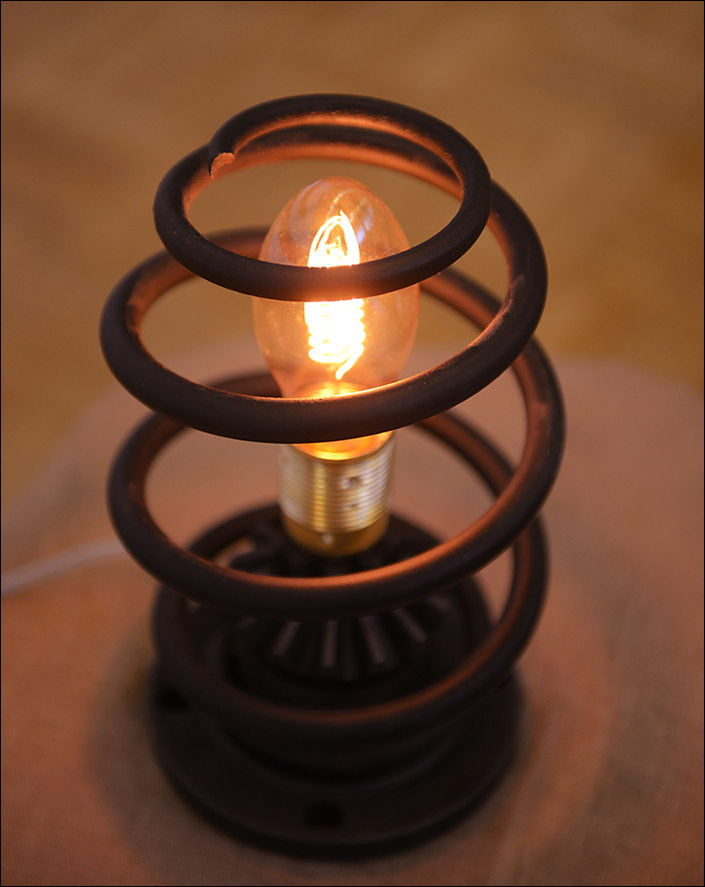 "Лампа настольная ""Пружина""средняя."