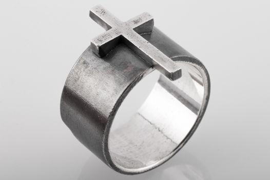 Серебряное кольцо с крестом X11