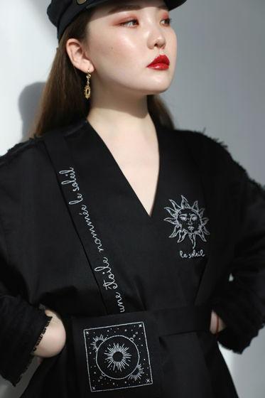 Чёрный оверсайз жакет с вышивкой и бахромой