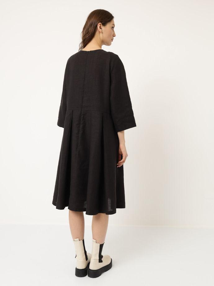 Черное льняное платье