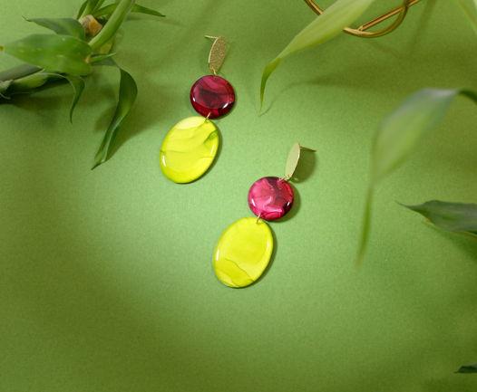 Длинные серьги бордового и оливкового цвета из ювелирной смолы