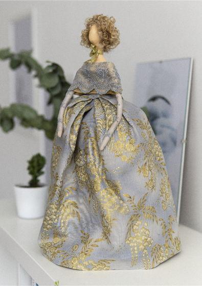 Интерьерная кукла для декора «Эльза»