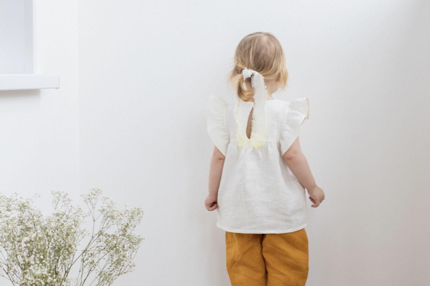 Блуза с рукавами крылышками