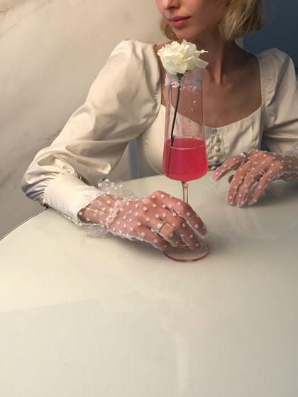 Перчатки в белый горошек