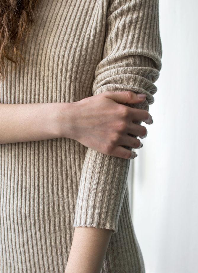 Платье-лапша с рукавом реглан из мериноса