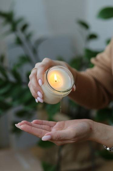 Массажная свеча из соевого воска с маслами