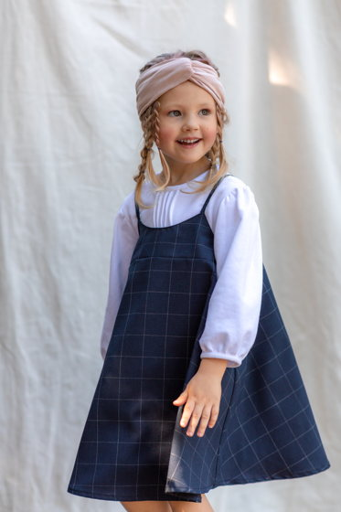 Блузка-свитшот для девочки (белого цвета)