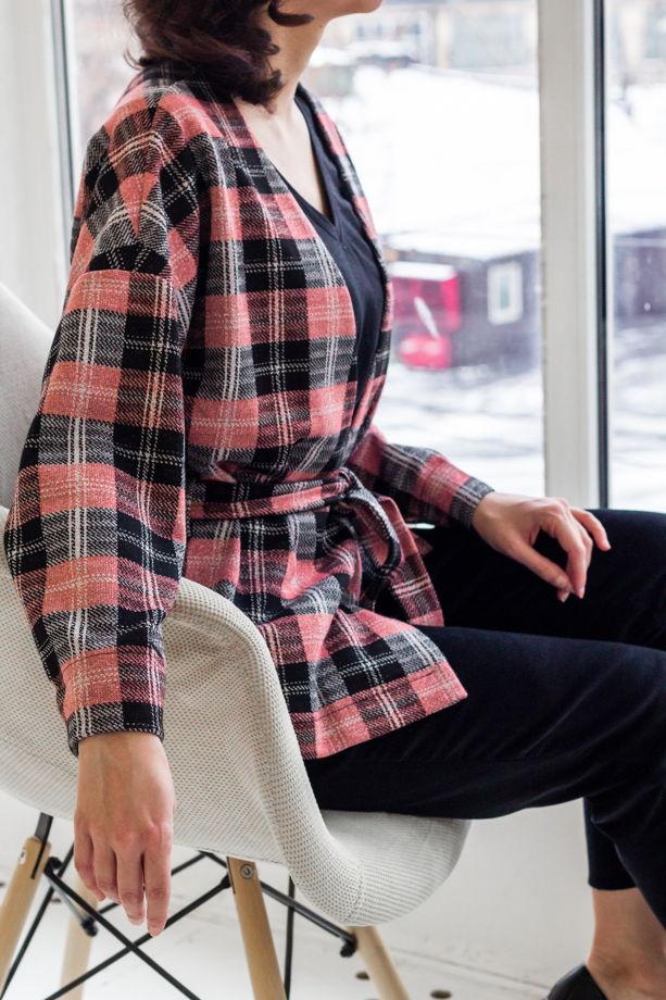 Жакет-кимоно в клетку из джерси