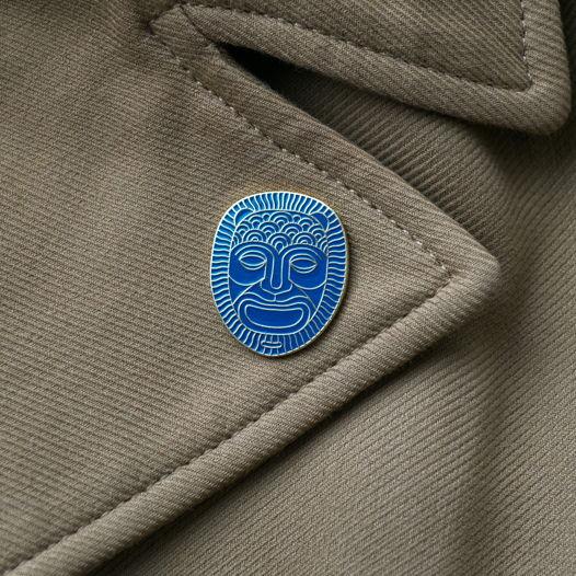Латунный значок «Ультрамариновый лев»