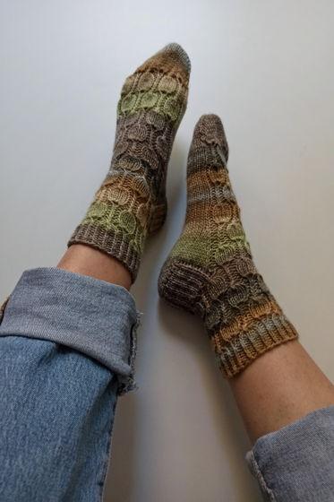 Лесные носки ручной работы