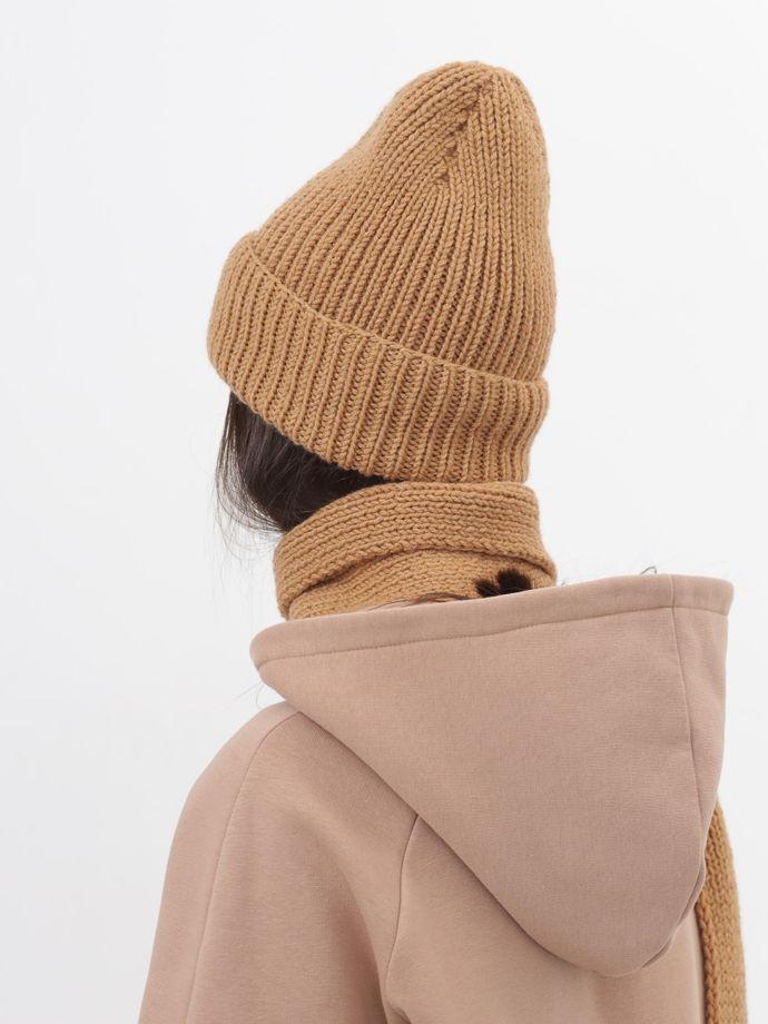 Шапка бини и шарф вязаный комплект карамельный женский