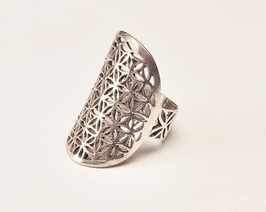 Кольцо длинное «Цветок Жизни» из серебра