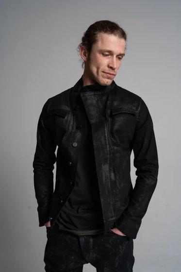 джинсовая куртка ассиметричного кроя масляного вощения с эффектом винила N13L