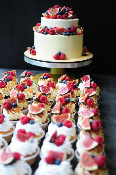 Сладкий стол- торт + капкейки