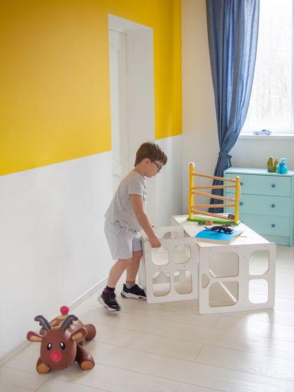 Комплект белой детской мебели Монтессори Киддис стол и стул трансформер