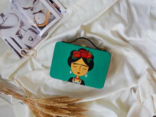 """Женская сумка-кроссбоди из дерева с ручной росписью """"Фрида Кало"""", изумрудная"""