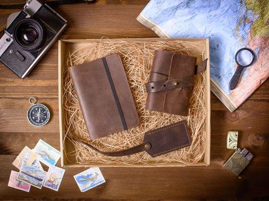 Подарочный набор аксессуаров из кожи -WEEKEND- цвет Шоколад