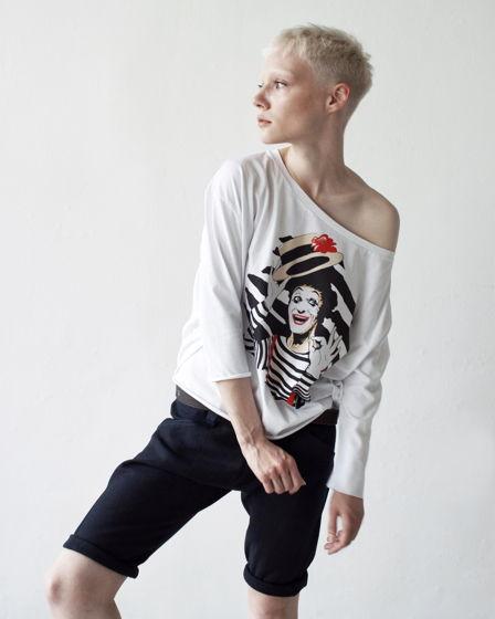 Женские футболки с принтом Marcel Marceau
