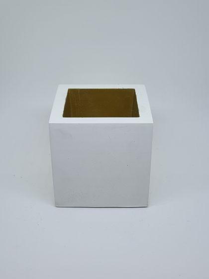 Стаканчик из бетона с золочением