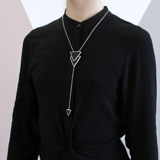 """Кулон """"Элементарные треугольники"""" из черного текстурного стекла"""