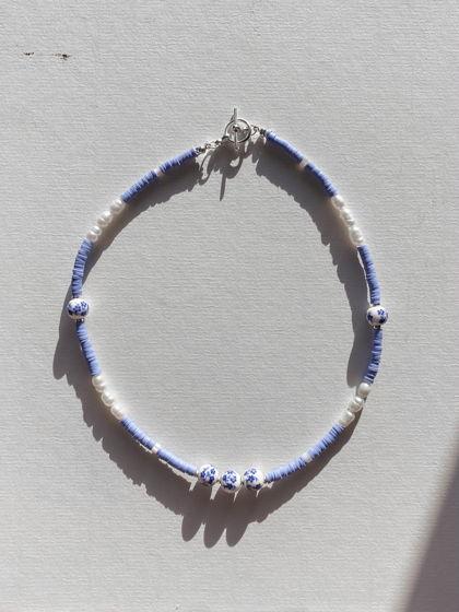 Чендлер | Друзья. Нежно-голубое колье с жемчугом.
