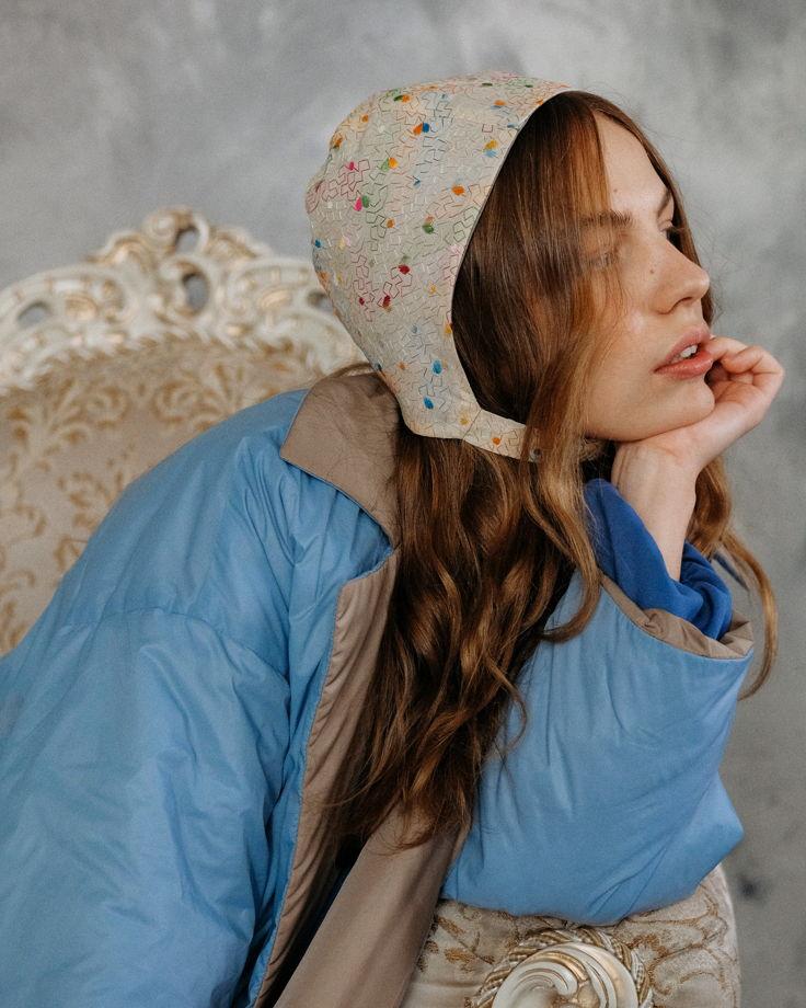 Béguin (Чепчик)  женский летний светлый ( расшитый цветными нитками )
