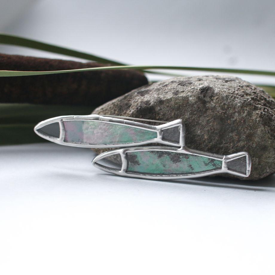 """Брошка """"рыбки"""" из декоративного стекла с отливом"""