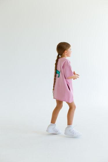 Детское платье-футболка свободного кроя с принтом на спине