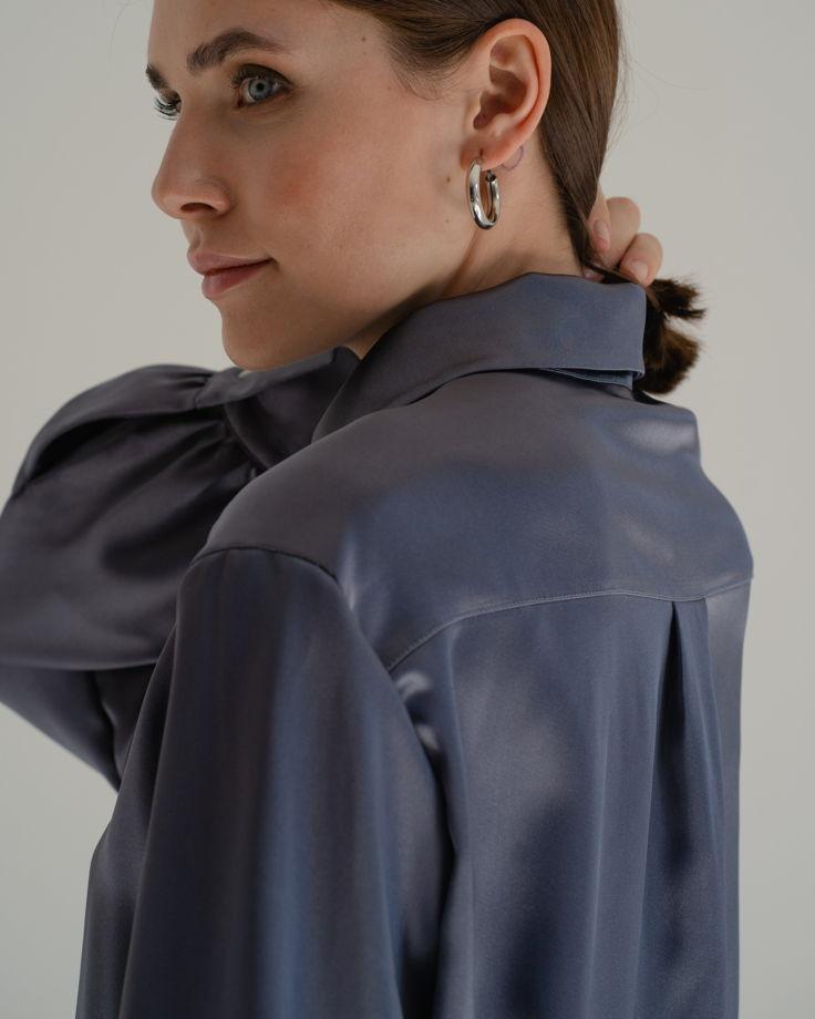 Атласная блуза серого цвета со спущенной линией плеча One Size
