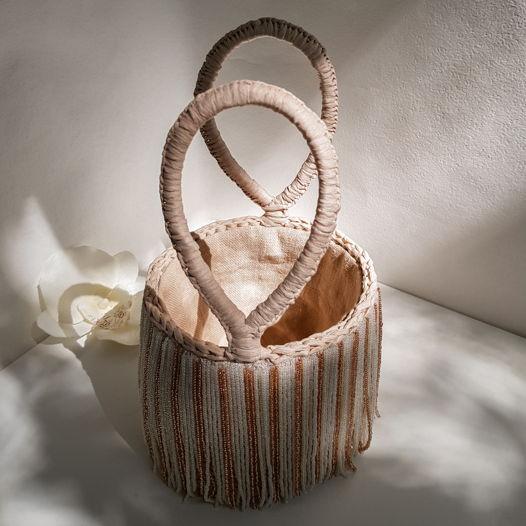 """Театральная сумка """"Бурлеск"""" из рафии с бахромой из бисера"""