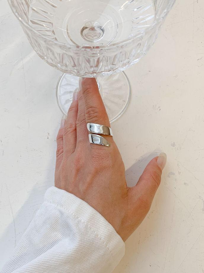 Кольцо VEIO лепесток